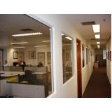 divisória de drywall e vidro